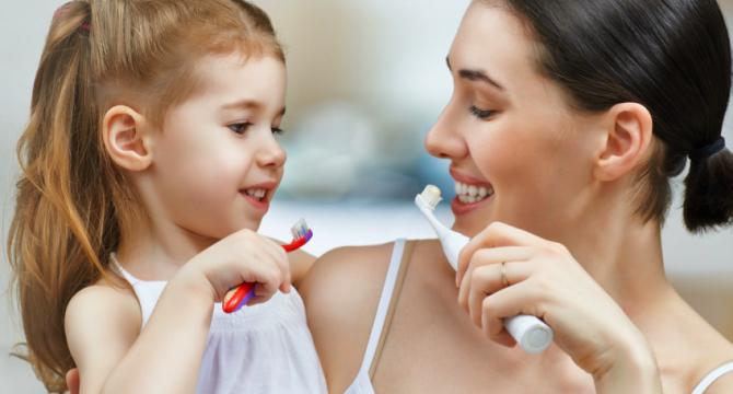 Aprende cómo cepillarte los dientes y llevar una buena salud bucal con tu celular | Polar Ecuador