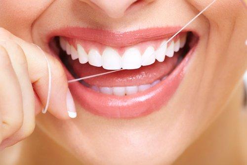 El hilo dental un aliado de tu cuidado dental - Polar Ecuador